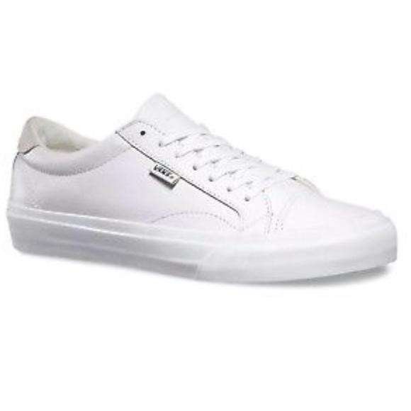 5b0d6bb83ac415 Vans Court DX Leather True White Shoes